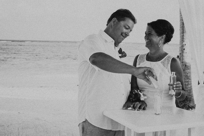 Weddingday Mr & Mrs Hindman by Topoto - 012
