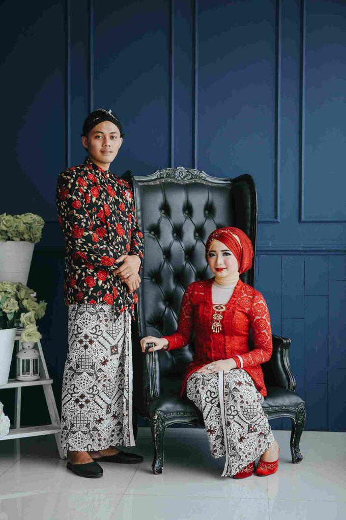 Prewedding Session Indoor Fungky + Ardilla by Coklat Photo Surabaya - 001