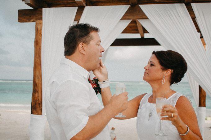 Weddingday Mr & Mrs Hindman by Topoto - 015
