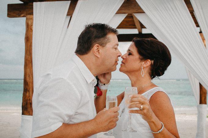 Weddingday Mr & Mrs Hindman by Topoto - 016