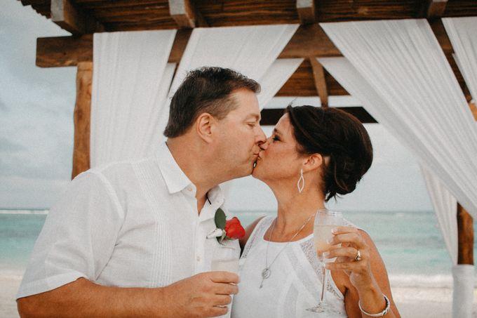 Weddingday Mr & Mrs Hindman by Topoto - 017