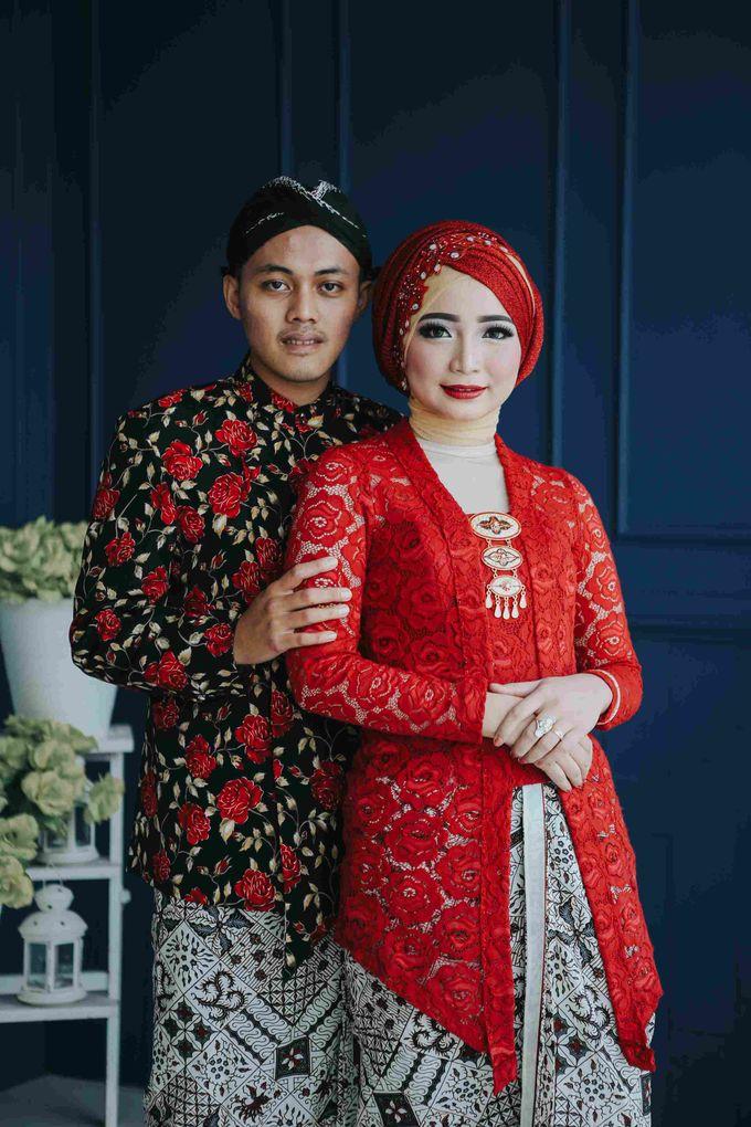 Prewedding Session Indoor Fungky + Ardilla by Coklat Photo Surabaya - 002