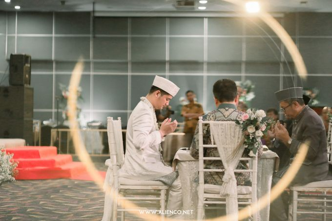 The Wedding of Reza & Fira by alienco photography - 017