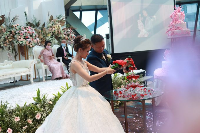 New Normal Wedding Entertainment At JHL Solitaire Serpong - Double V Entertainment by Double V Entertainment - 007