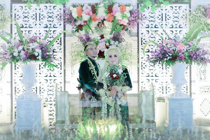 Wedding Ratri & Arief by aaron Photo & Cinema - 024
