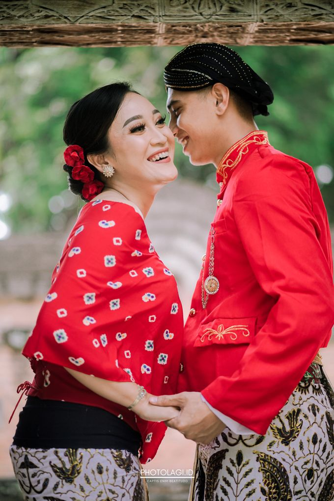 The Prewedding story of Devi & Candra by Photolagi.id - 002