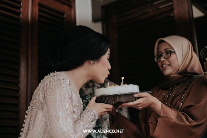 The Engagement of Andari & Fatahillah by alienco photography - 014