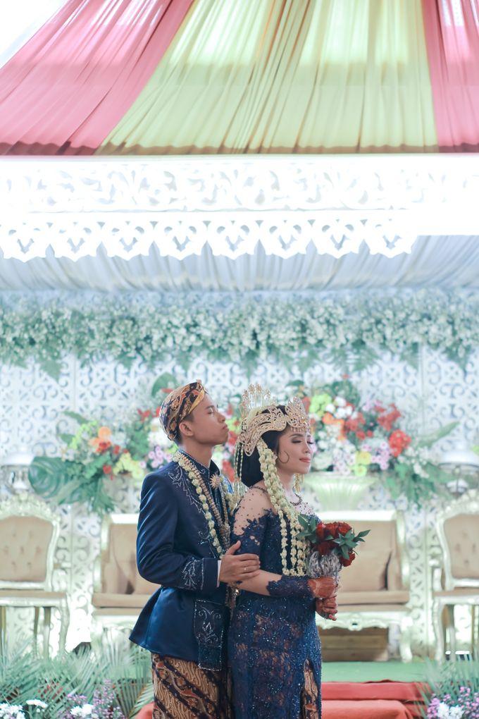 Wedding Intan & Agung by aaron Photo & Cinema - 019