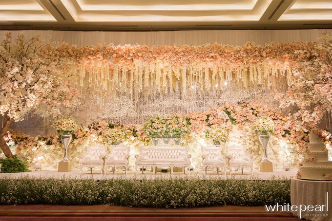 Pullman CP 2018 08 18 by White Pearl Decoration - 004
