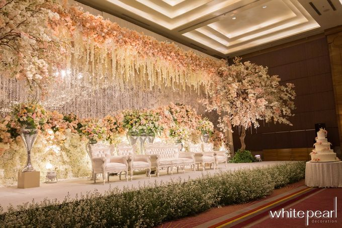 Pullman CP 2018 08 18 by White Pearl Decoration - 005