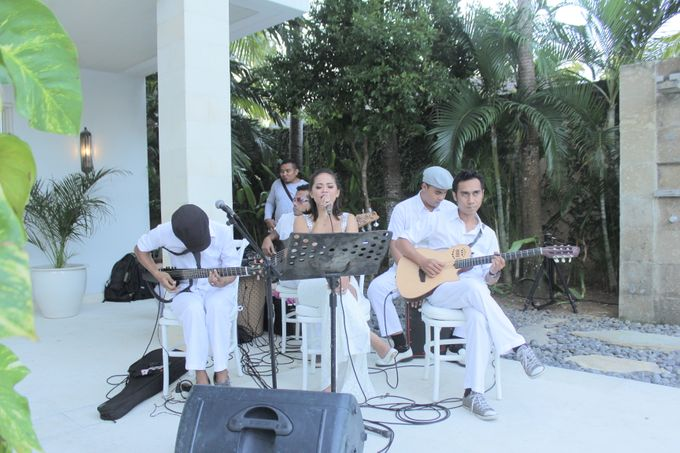 Wedding Event at The Unggasan Clifftop Bali by Traffic Blues Band - 005
