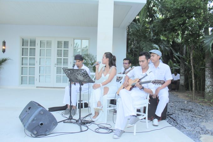 Wedding Event at The Unggasan Clifftop Bali by Traffic Blues Band - 004