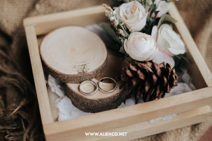 The Engagement of Andari & Fatahillah by alienco photography - 015