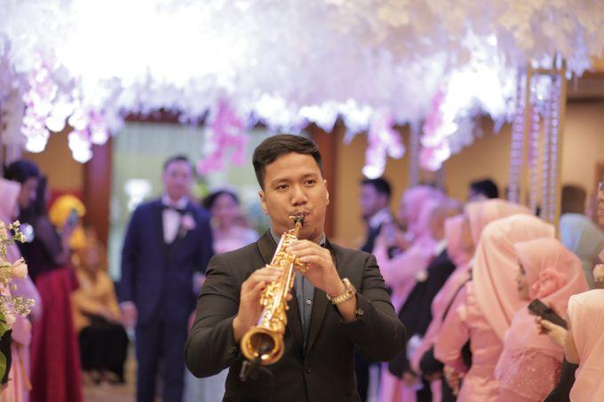 The Wedding of Desty & Hadyan by Desmond Amos Entertainment - 006