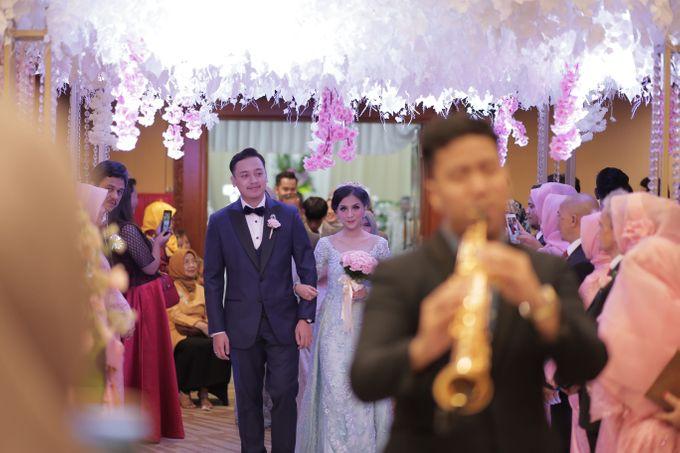 The Wedding of Desty & Hadyan by Desmond Amos Entertainment - 003