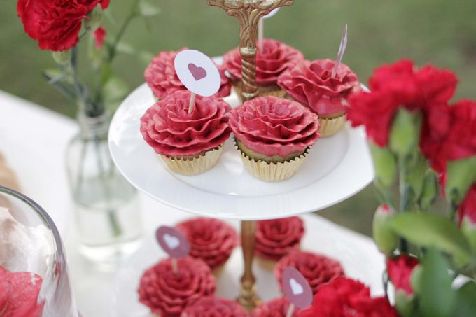 Romantic Dessert Table by Gordon Blue Cake - 018