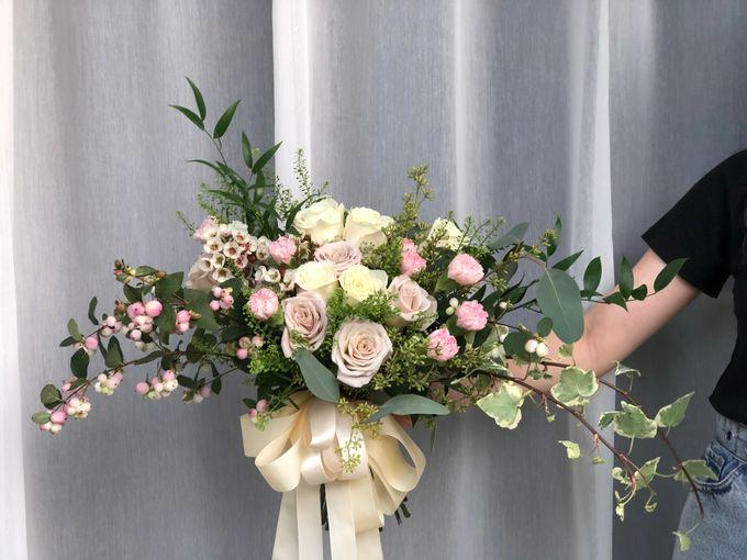 Bridal Rustic Hand Bouquet by De' Flower - 003