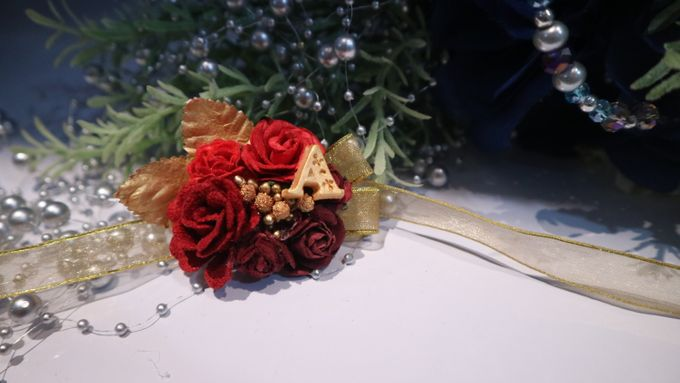 Boutonnieres & Hand Corsages by Art of ME - 005