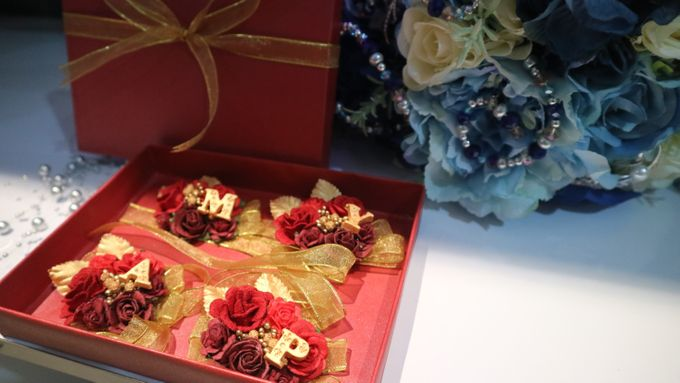Boutonnieres & Hand Corsages by Art of ME - 007