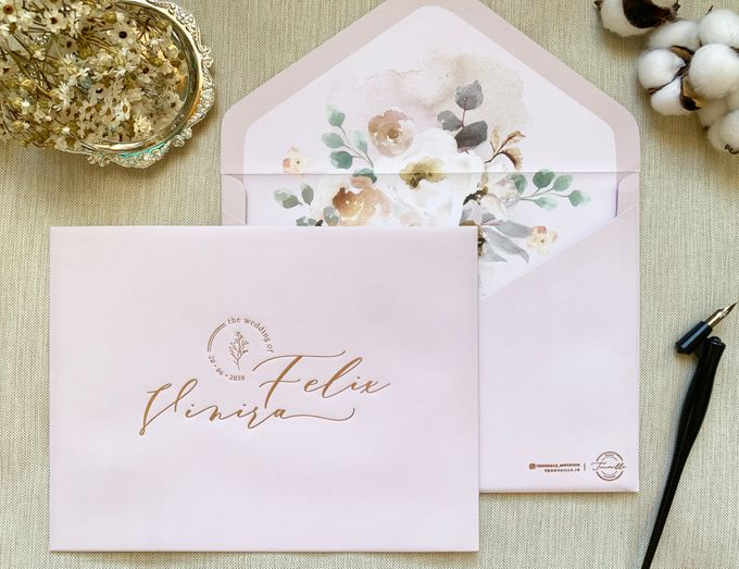 Love Birds by Trouvaille Invitation - 005