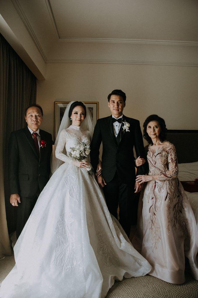 THE WEDDING OF ABEDNEGO & AGUSTINNE by natalia soetjipto - 009