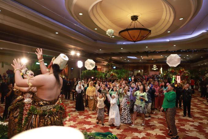 Wedding ULY SASONGKO dan ARIEF SETIAWAN by JACK HARYANTO MC - 003