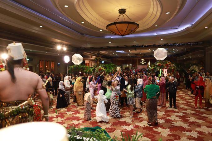 Wedding ULY SASONGKO dan ARIEF SETIAWAN by JACK HARYANTO MC - 005