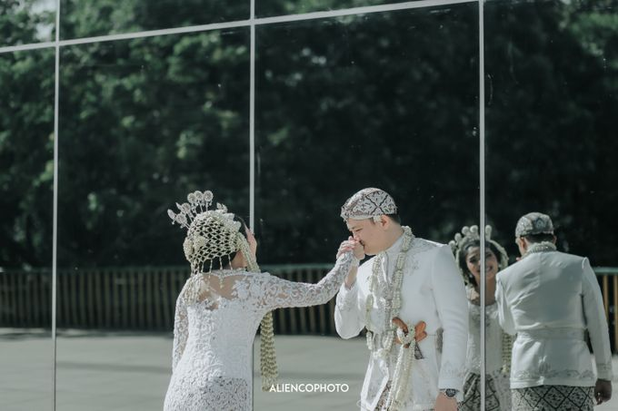 GEDUNG ANTAM WEDDING OF WINNIE & ANAS by alienco photography - 037