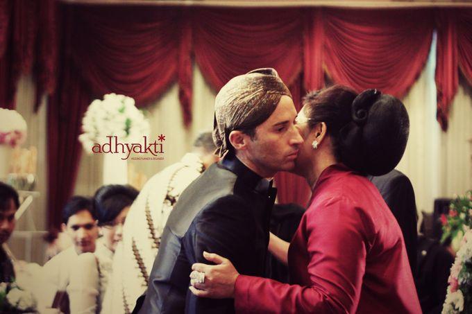 Adrian & Wina Wedding Day by Adhyakti Wedding Planner & Organizer - 009