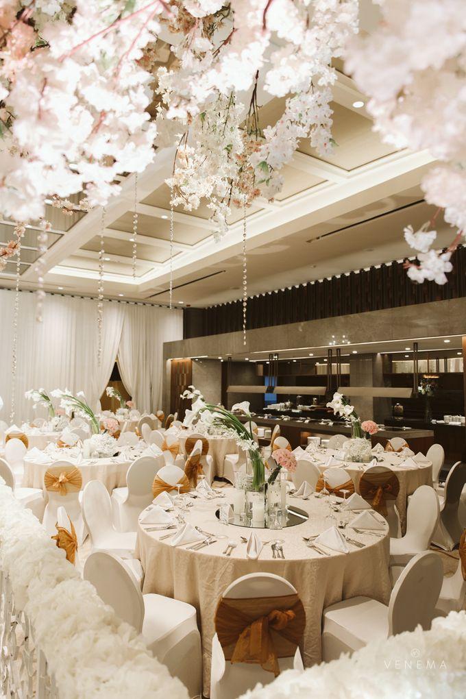 Clean and Elegant Wedding at Ayana MidPlaza by Priscilla Myrna - 009