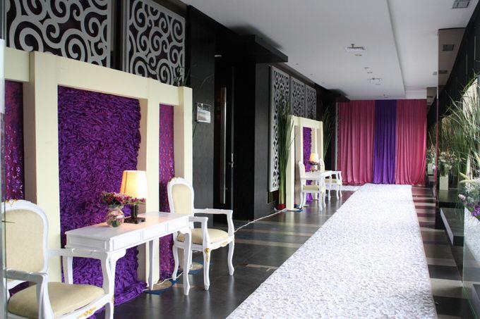 Wedding Decoration & Set Up at Holiday Inn Bandung Pasteur by Holiday Inn Bandung Pasteur - 015