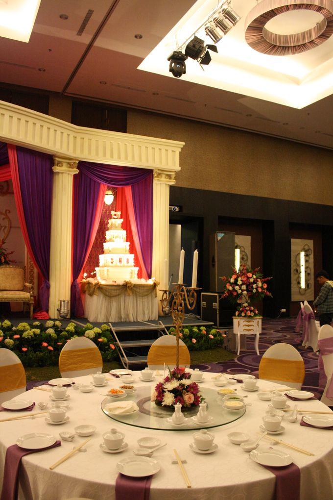 Wedding Decoration & Set Up at Holiday Inn Bandung Pasteur by Holiday Inn Bandung Pasteur - 014