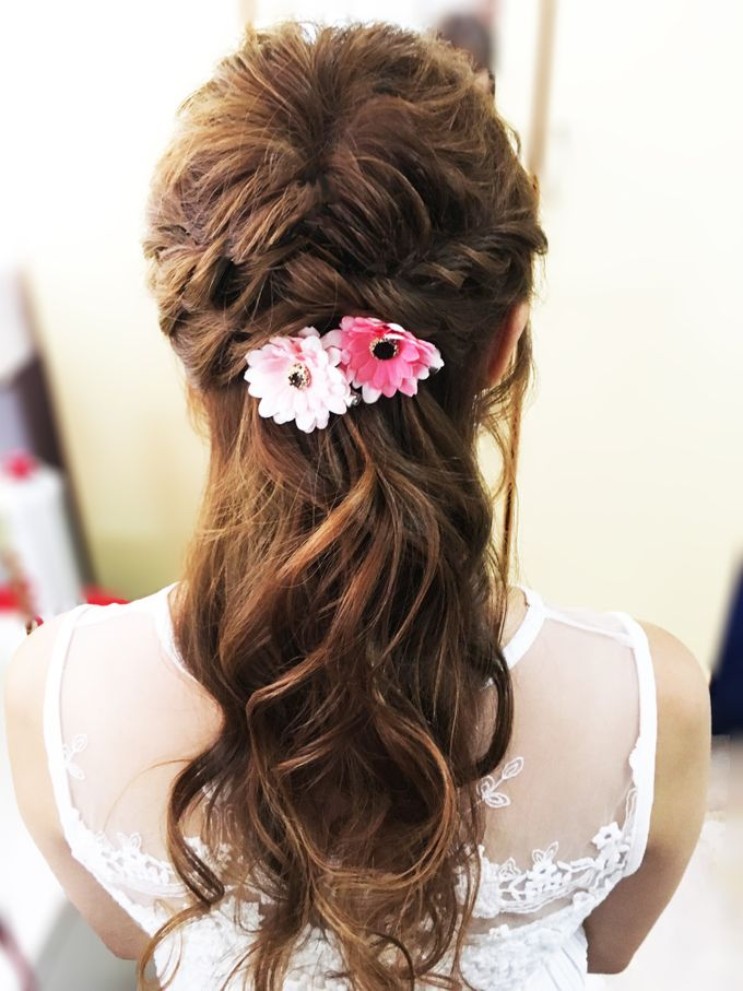 Romantic Floral Rustic Half up Half Down Hairstyles by Sylvia Koh Makeup and Hairstyling - 011