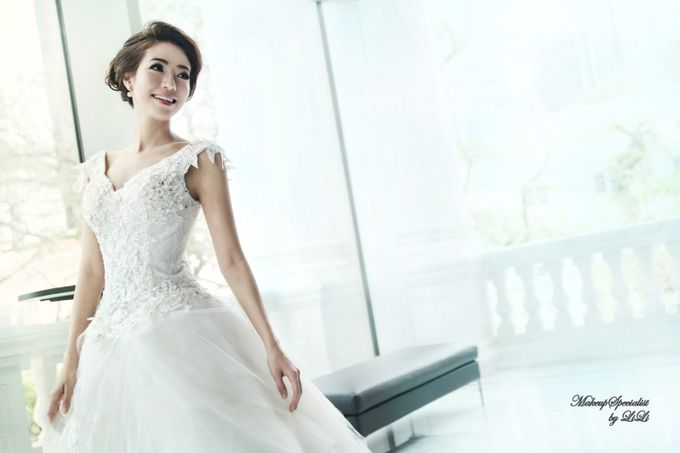 Victorian Contemporary Bridal by Lili Makeup Specialist - 004