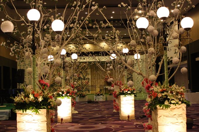 Wedding Decoration & Set Up at Holiday Inn Bandung Pasteur by Holiday Inn Bandung Pasteur - 016