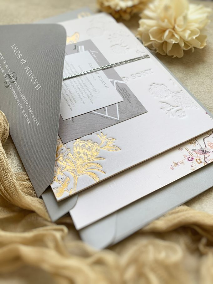 Peony Chinoisserie by Trouvaille Invitation - 002