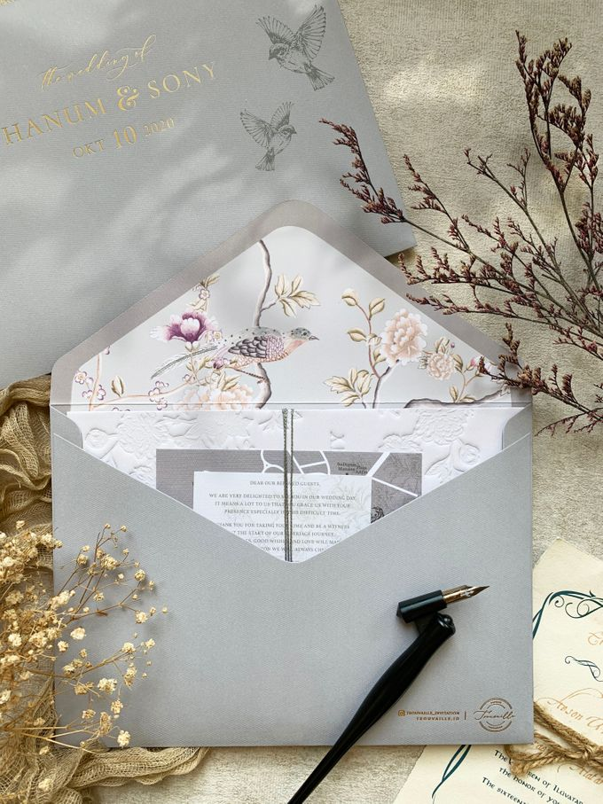 Peony Chinoisserie by Trouvaille Invitation - 011