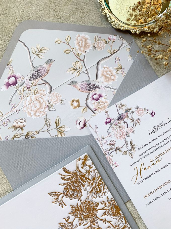 Peony Chinoisserie by Trouvaille Invitation - 012