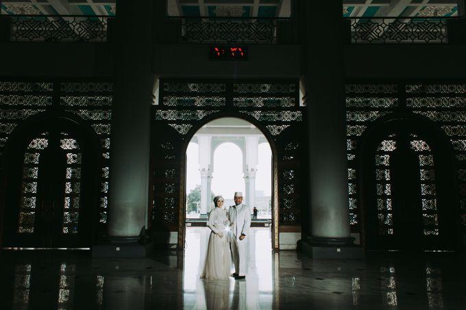 The Wedding of Ikhsan and Laily by LAKSMI - Kebaya Muslimah & Islamic Bride - 006
