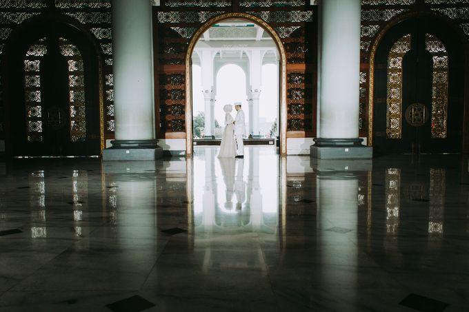 The Wedding of Ikhsan and Laily by LAKSMI - Kebaya Muslimah & Islamic Bride - 008