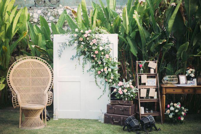 Sweet Rustic Wedding at New Kuta Golf & Villa Bayu Bali by Silverdust Decoration - 010