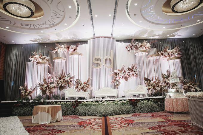 Skenoo Hall - Various Wedding Stage Decoration at Skenoo Hall Emporium Pluit by IKK Wedding Venue - 001