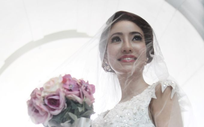 Victorian Contemporary Bridal by Lili Makeup Specialist - 006