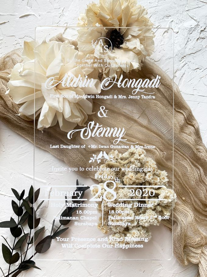 Classical Beauty by Trouvaille Invitation - 002