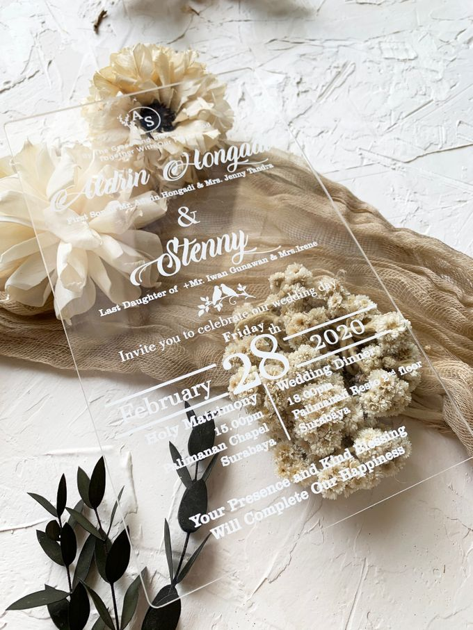 Classical Beauty by Trouvaille Invitation - 005