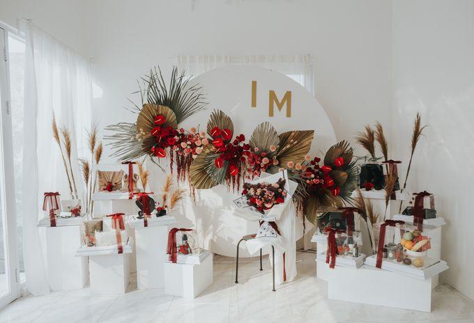 Indah Engagement Decor by Bloomette - 001