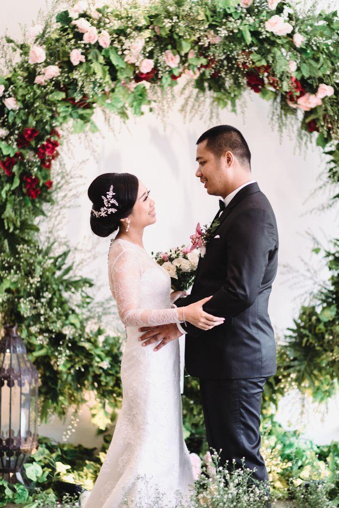 Sabar & Tiara Wedding Day by Nike Makeup & Hairdo - 017