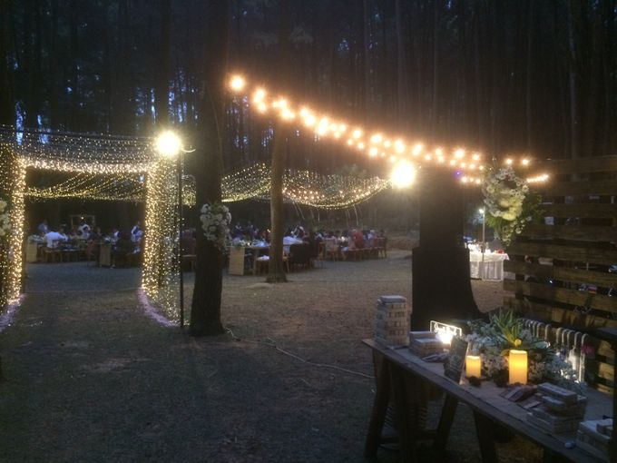 Seated Outdoor Wedding Reception by KittyCat Entertainment - 013