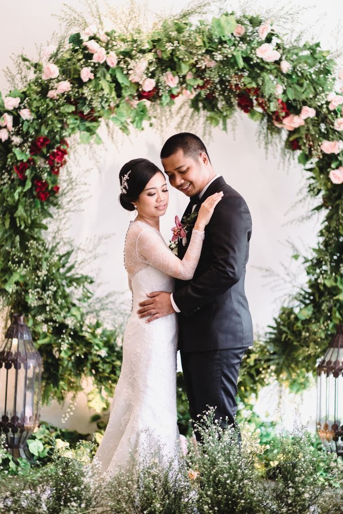Sabar & Tiara Wedding Day by Nike Makeup & Hairdo - 013