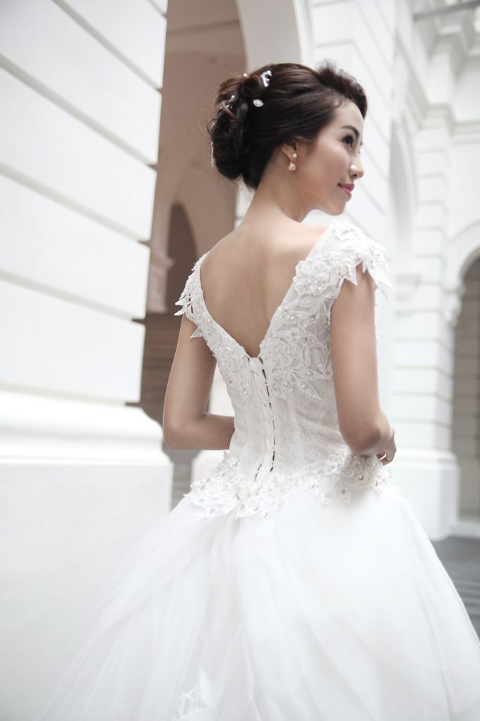 Victorian Contemporary Bridal by Lili Makeup Specialist - 003